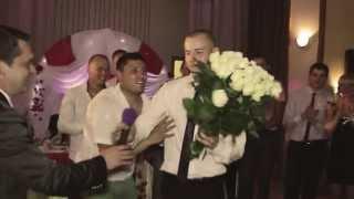 Жених читает рэп невесте на свадьбе // Boho Wedding