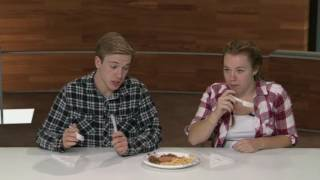 Americans try German Sausages