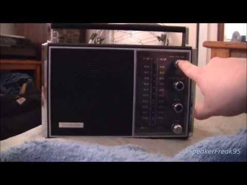 Sylvania Portable am/fm/afc Solid State Radio TR136BK 60's Vintage.
