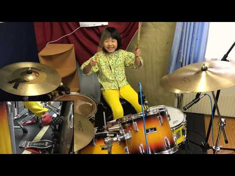 Ron And Ian - WATCH : This Little Drummer Girl Is Crushing This Zeppelin Song