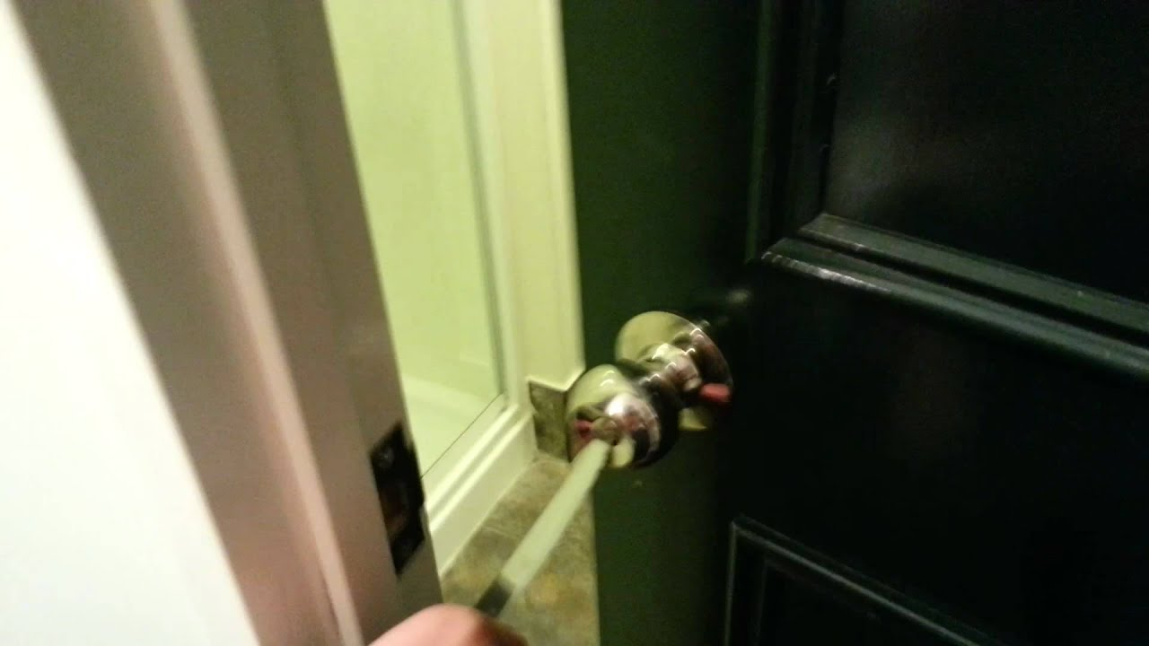 How To Unlock A Locked Door How To Open A Locked Door With A Knife Youtube