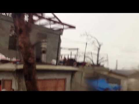 SUPER TYPHOON YOLANDA MASSIVE DESTRUCTION IN LEYTE, TACLOBAN AND SAMAR!