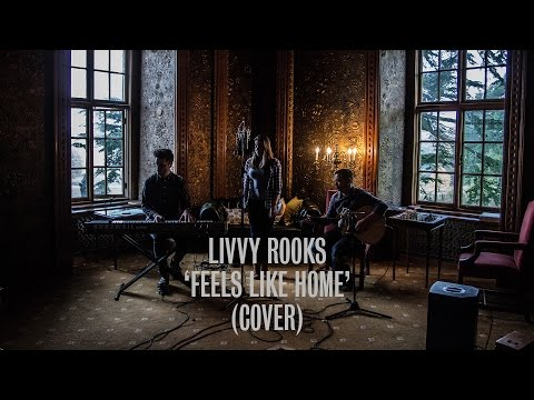 Livvy Rooks  Feels Like Home Chantal Kreviazuk   Ont Sofa  at Hazlewood Castle