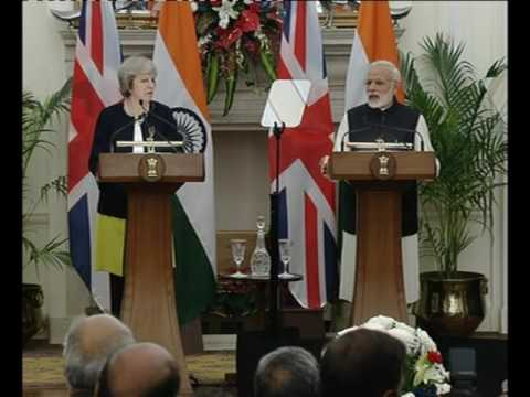 PM Modi with PM of UK, Ms. Theresa May at Exchange of Agreements and Press Statements