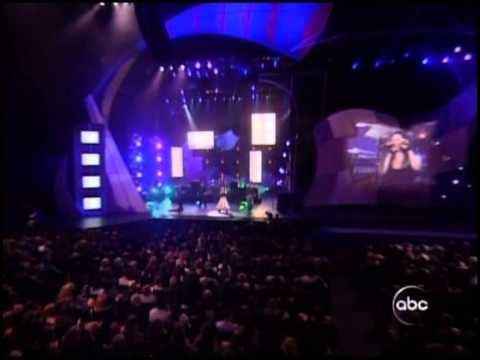 Evanescence - Going Under (Live at American Music Awards 2003)