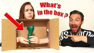 WHAT'S IN THE BOX CHALLENGE en COUPLE !! Prank & SURPRISE WTF !