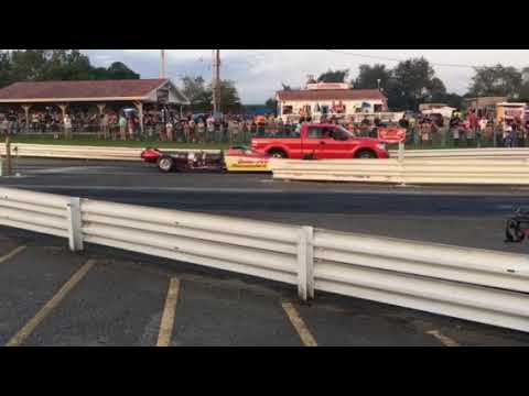 Queen of Diamonds jet dragster driven by 25 year old young lady. This was insane to watch