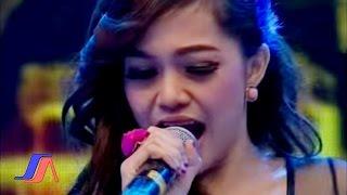 Gadis Mutmut Ayo Goyang Live Perfomance