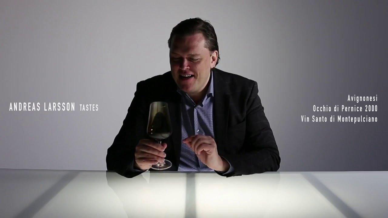На экскурсии мы посетили три разные винодельни, попробовали несколько белых и красных сортов местных вин и конечно винсанто. Все можно купить.