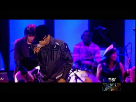 Gorillaz - Mtv World Stage - Stylo (ft. Bobby Womack & Mos Def) Live at Roundhouse, UK