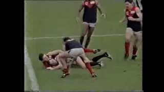 Collingwood v Melbourne AFL thriller at Victoria Park round 20 1992. Final minutes