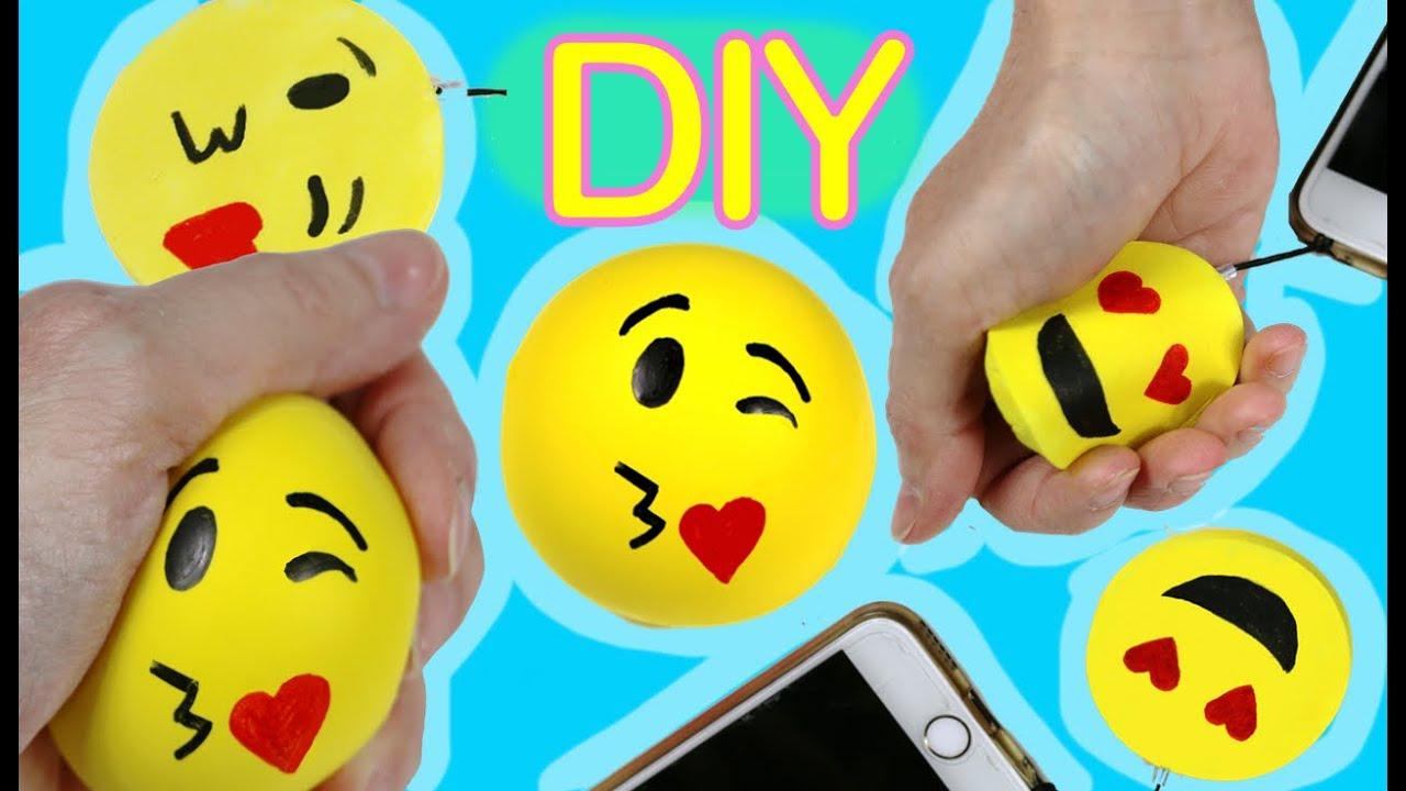 diy squishy charm y pelota anti stress de play doh ideas con emojis o emoticonos emojicrafts. Black Bedroom Furniture Sets. Home Design Ideas
