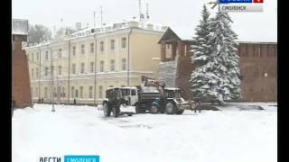 Смоленские коммунальщики ликвидируют последствия снегопада(, 2016-10-26T15:58:38.000Z)