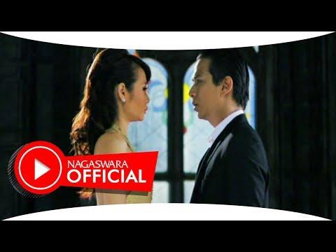 Alena Feat Delon - Tersenyumlah (Official Music Video NAGASWARA) #music