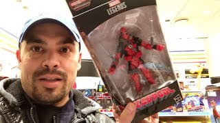 Episode 216 - TOY HUNTING IN NEW YORK CITY! MARVEL LEGENDS DEADPOOL SASQUATCH WAVE!