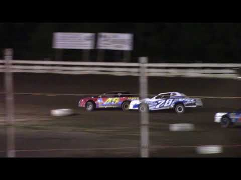 Hummingbird Speedway (8-26-17): Sunny 106.5 FM Pure Stock Feature