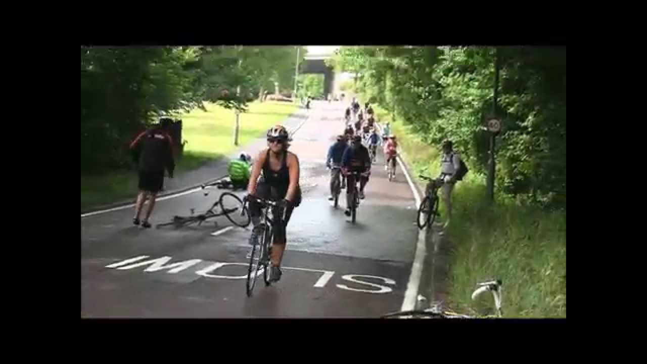 London To Brighton Cycle 2017 >> London To Brighton Bike Ride Crash Coldean Lane 2011 Youtube