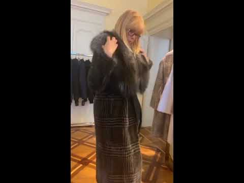 Купить пальто в Милане с соболем:(+39)3341694865