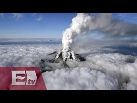 Volcán hace erupción en Japón / Excélsior en la media