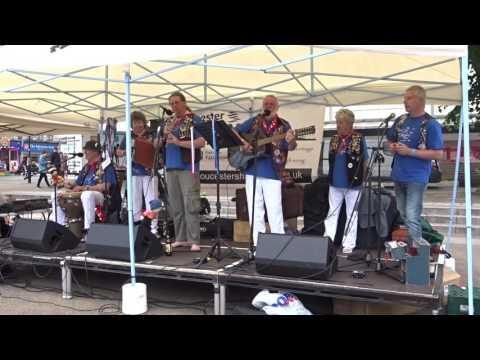 "The Vagrants Crew ""The Girls Of Neils Harbour"" live @ Kings Square Gloucester Shanty Festival"