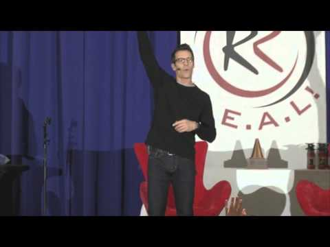 Tony Horton P90X Delivering A KICK-BUTT Presentation That Will Inspire You To Get In Better Shape