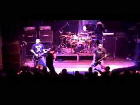 Hatebreed -  Tear It Down/Straight To Your Face live santiago chile 2005
