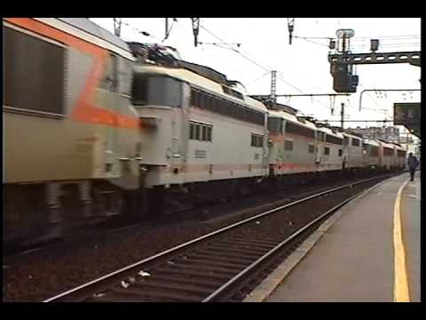 SNCF Villeneuve St Georges  2 Large Loco Convoys   15 6 2000