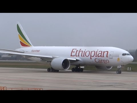 Very rainy Ethiopian Cargo B77F takeoff from Liege!