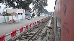 12436 Dibrugarh Town RAJDHANI Express crossing SHAHJAHANPUR!