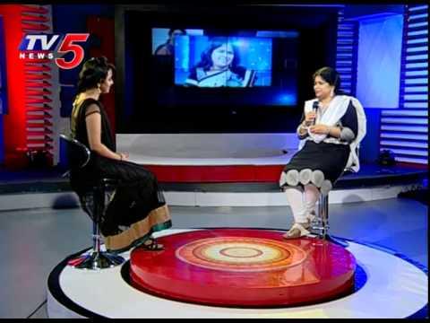 Singer Usha Sings Vani Jayaram Song Rojalo Letha Vannele | Gharshana Movie | TV5 News