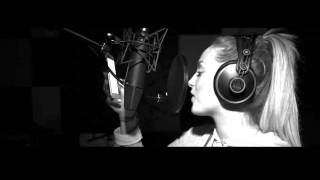 Смотреть клип Aless - Skapareli Flow