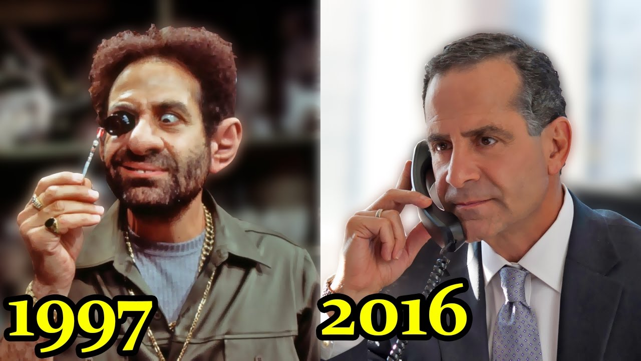 Как звали актера из фильма люди в черном сын арнольда шварценеггера в терминаторе