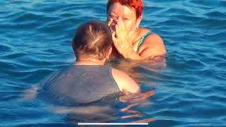 ВЛОГ Лева случайно ударил маму по лицу ногой ( Едем купаться в Новороссийск !!!