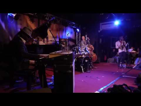 Tony Allen - A Night In Tunisia / A La Mode (New Morning - Paris - November 3rd 2016)