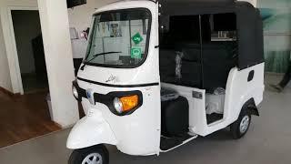 The Amazing Italian Auto RickShaw Piaggio_1