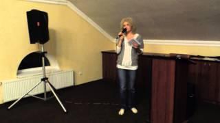 Наташа Новикова - Муха жениха искала (стих)