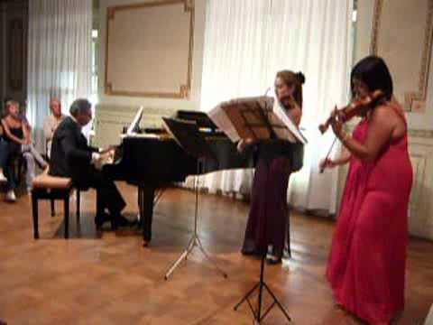 Sousa's Band - Loin Du Bal