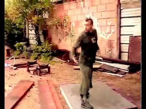 Film Jonathan Abbou, Music Dierdre Dubois / Cricket, danseur Guillaume Siron de Starbilux