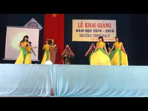 múa Sắc Hoa Việt  12A1 (2012- 2015) PTTH Yaly