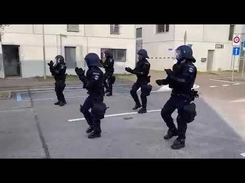 Jerusalema Dance Challenge by Swiss police. #Policia #Police - Bonifácio Aurio - Mr Tuffas