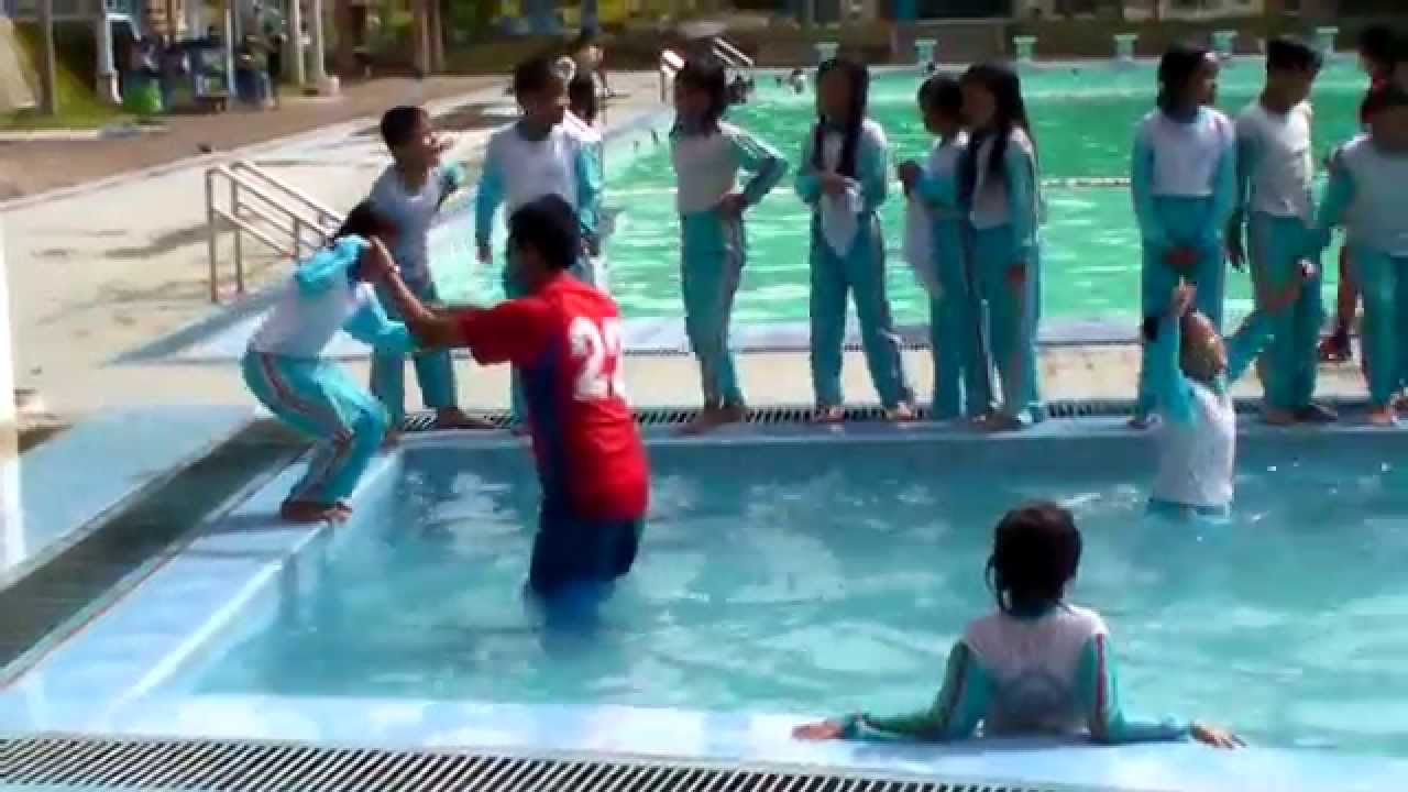 Swimming Academy Swimming Students How To Control Students At Swimming Pool Swimming For