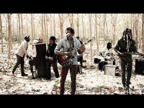 RAGING FYAH - NAAH LOOK BACK - Official Video ( with lyrics)
