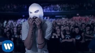 twenty one pilots: Car Radio [OFFICIAL VIDEO](twenty one pilots' music video for 'Car Radio' from the album, Vessel - available now on Fueled By Ramen. Download it at http://smarturl.it/vessel Pre order ..., 2013-04-19T21:59:15.000Z)