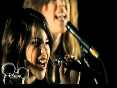 A girar. Pop4U. La gira.  Disney channel. Lucia Gil