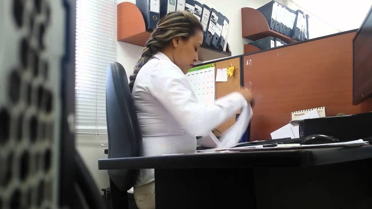 Puesto de trabajo Auxiliar Contable - YouTube
