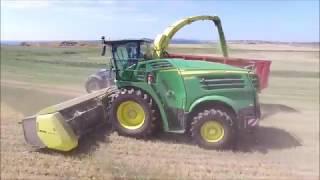Demonstrating the John Deere 8500i Forage Harvester