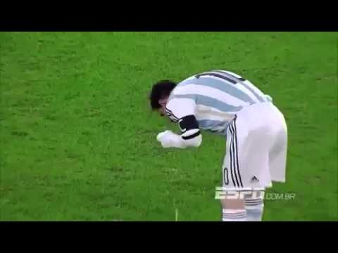 Lionel Messi vomits on the pitch during Romania vs Argentina
