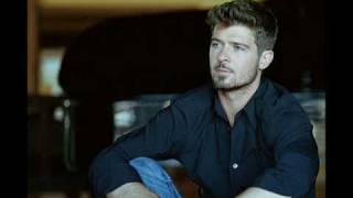 Watch Robin Thicke Everybodys A Star video