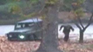Dramatic video shows North Korean soldier's daring escape thumbnail