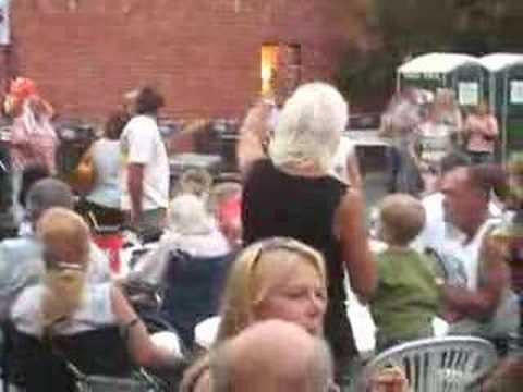 Tommy & the 4 Speeds woo crowds in Pleasanton, Calif.